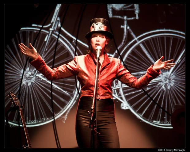 evalyn parry SPIN - Photo by Jeremy Mimnagh